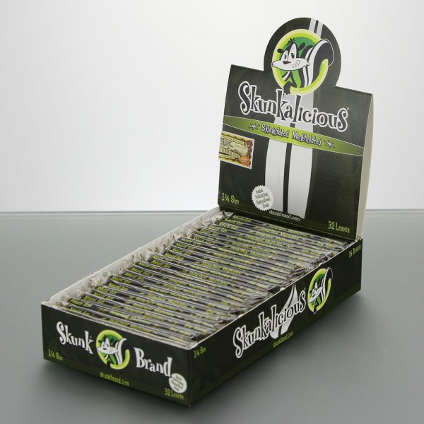 Flavored Rolling Papers Regualr Size Skunkolated Mentholated